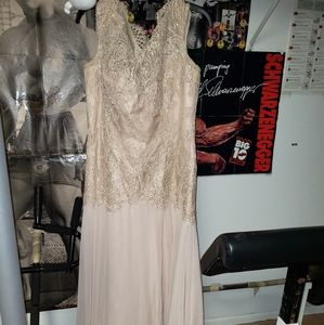 Montage by Mon Cheri formal dress ladies sz 14